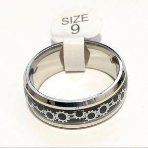 Silver Tone Ring, with Gears design, Size 9